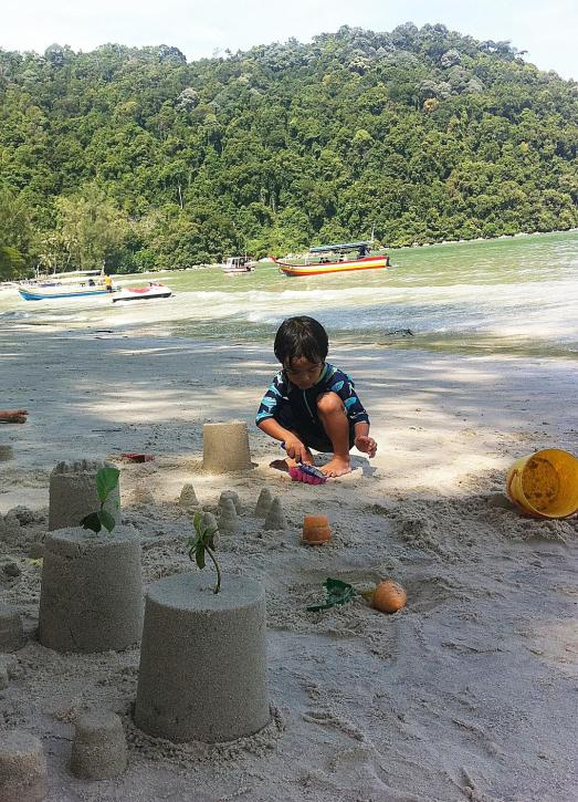 sand play @ Penang recently
